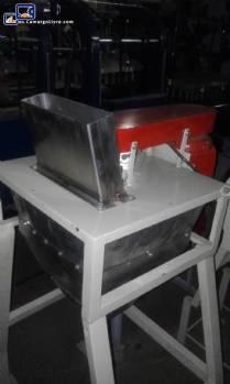 Máquina de cortar fruta en acero inoxidable con sierra circular
